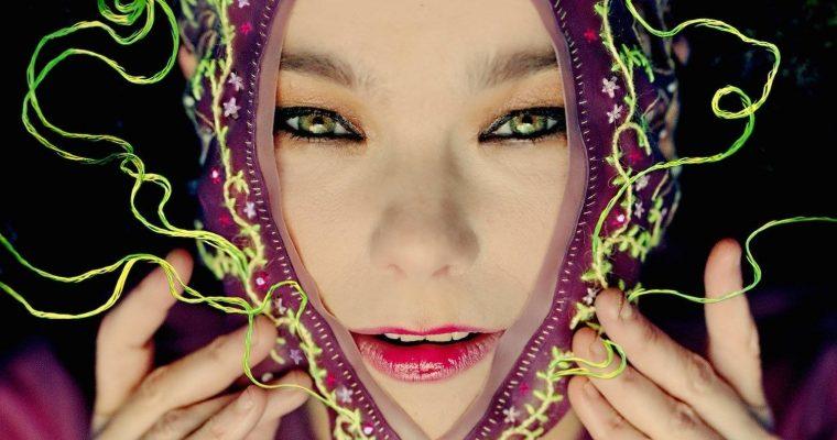 ¿Quién se esconde detrás de las máscaras de Björk?