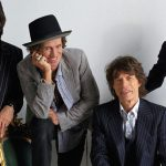 Mira a The Rolling Stones tocar una canción de The Beatles